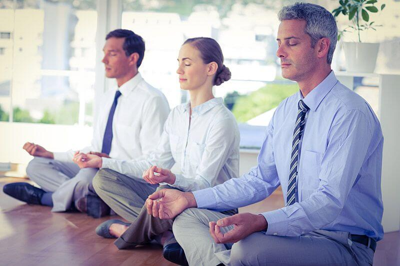 瞑想のすごい効果【ビジネスマンにおすすめのやり方】