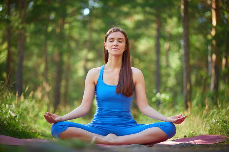 瞑想で呼吸をするときにおすすめの姿勢「ビルマの姿勢(スカーサナ)」