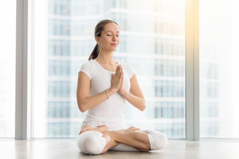 瞑想で呼吸をするときにおすすめの姿勢「フルロータス」