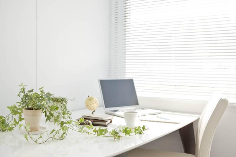 ヨガは集中力を高めて仕事効率を高めてくれる