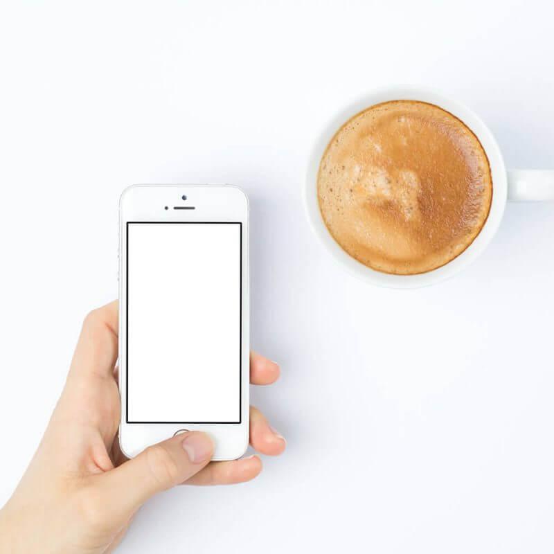 パソコンやスマートフォンをよく使う人は肩こりや腰痛になりやすい